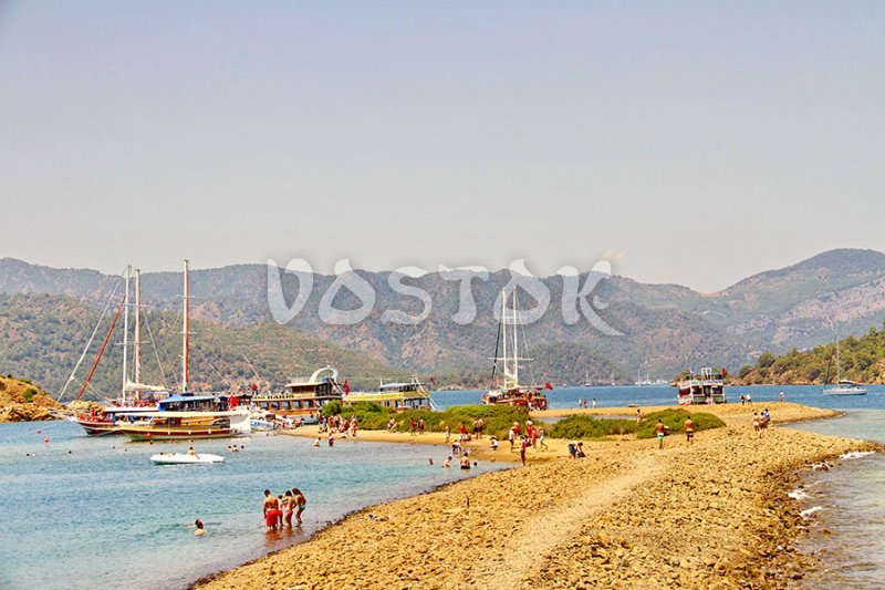 Flat Island is the best place for walking during the 12 island boat trip from Fethiye